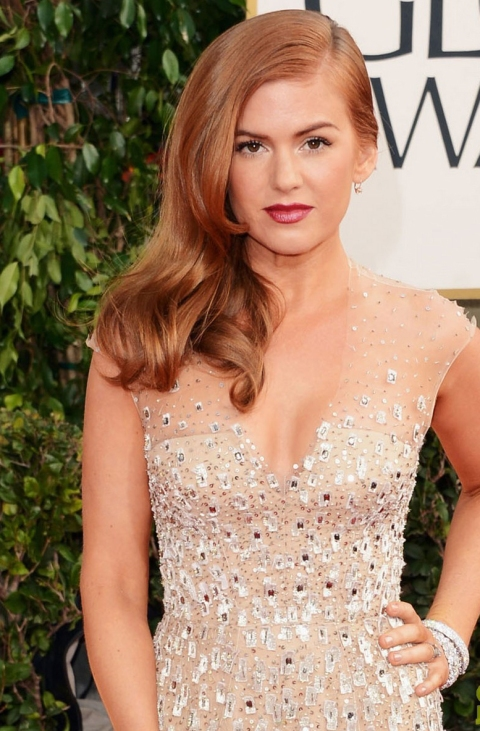 Sascha-Breuer-styles-Isla-Fishers-hair-for-Golden-Globes-2013-b